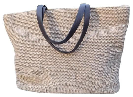 Preload https://img-static.tradesy.com/item/24192878/eddie-bauer-beige-and-brown-woven-faux-straw-leather-tote-0-1-540-540.jpg