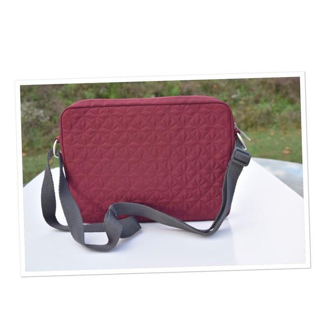 Item - Small Dark Red Quilted Laptop Bag