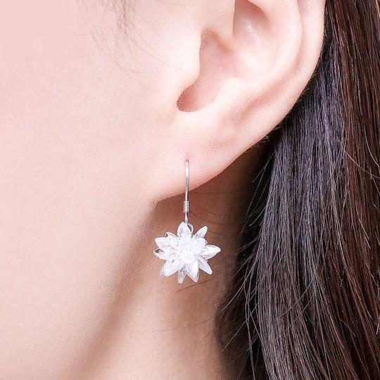 Ocean Fashion Snow white crystal earrings Image 1