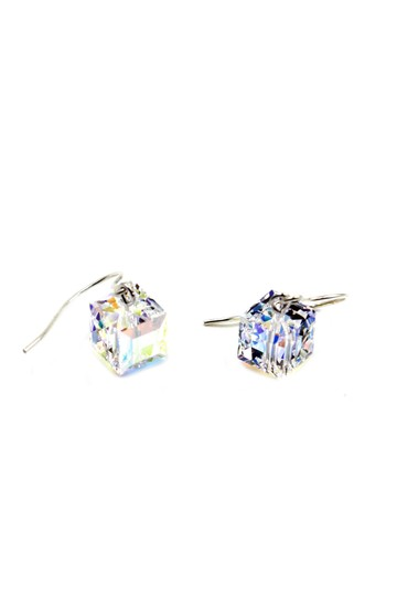 Preload https://img-static.tradesy.com/item/24193183/silver-simple-square-crystal-earrings-0-0-540-540.jpg
