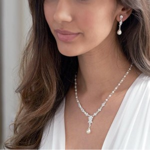 Silver Floral Jewelry Set