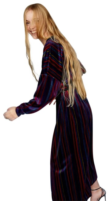 Preload https://img-static.tradesy.com/item/24193737/zara-purplemulti-velvet-kimono-casual-maxi-dress-size-4-s-0-1-650-650.jpg