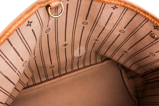 Louis Vuitton Leather Tote in Brown Image 11