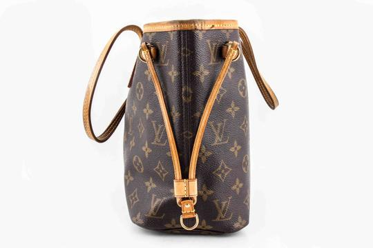 Louis Vuitton Leather Tote in Brown Image 2