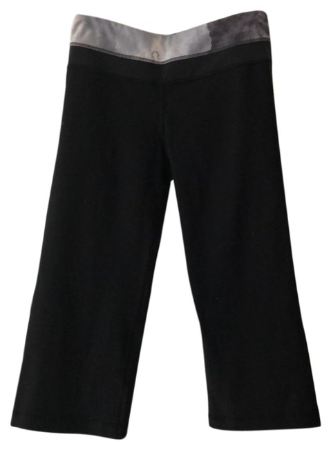 Preload https://img-static.tradesy.com/item/24197545/lululemon-blacktie-dyed-band-groove-activewear-bottoms-size-6-s-0-1-650-650.jpg