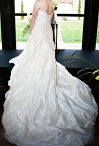 Sottero and Midgley Ivory Polyester Nylon Couture Formal Wedding Dress Size 4 (S)