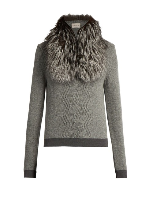 Preload https://img-static.tradesy.com/item/24198298/moncler-classic-detachable-fox-fur-collar-wool-and-cashmere-blend-cable-knit-grey-sweater-0-0-650-650.jpg