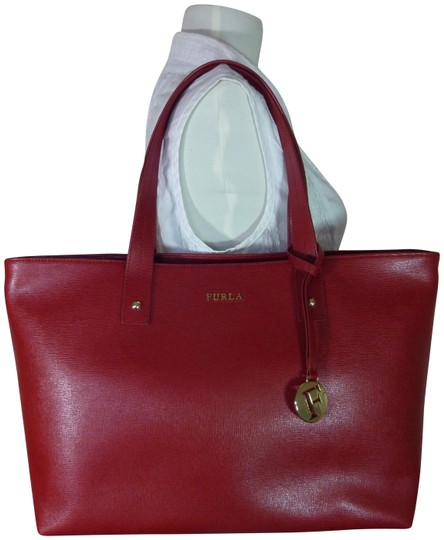 Preload https://img-static.tradesy.com/item/24198331/furla-cabernet-daisy-red-saffiano-leather-tote-0-1-540-540.jpg