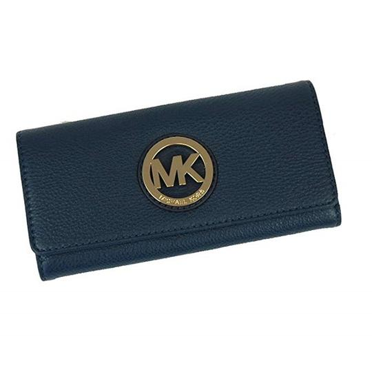 Preload https://img-static.tradesy.com/item/24198442/michael-kors-navy-women-s-fulton-carryall-leather-wallet-0-0-540-540.jpg
