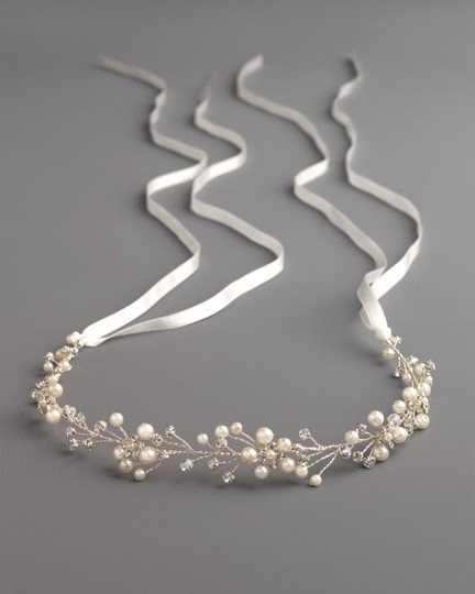 Silver Floral Vine Hair Accessory Image 1