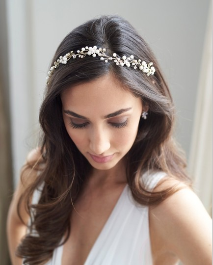 Silver Floral Vine Hair Accessory Image 2