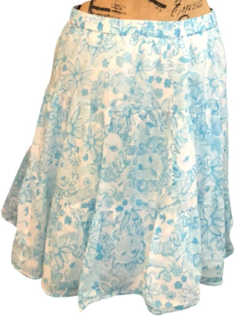 Preload https://img-static.tradesy.com/item/24198725/lilly-pulitzer-blue-and-white-skirt-size-6-s-28-0-1-650-650.jpg