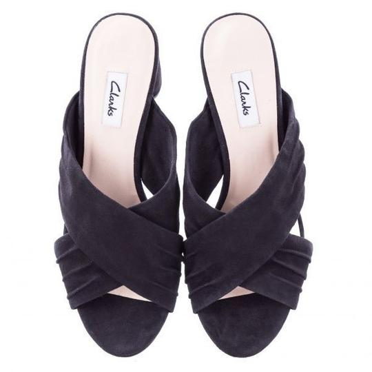 Preload https://img-static.tradesy.com/item/24198804/clarks-black-amali-primrose-sandal-pumps-size-us-9-regular-m-b-0-0-540-540.jpg