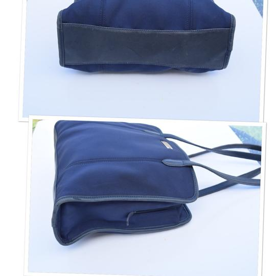 Coach Tote in navy blue Image 2