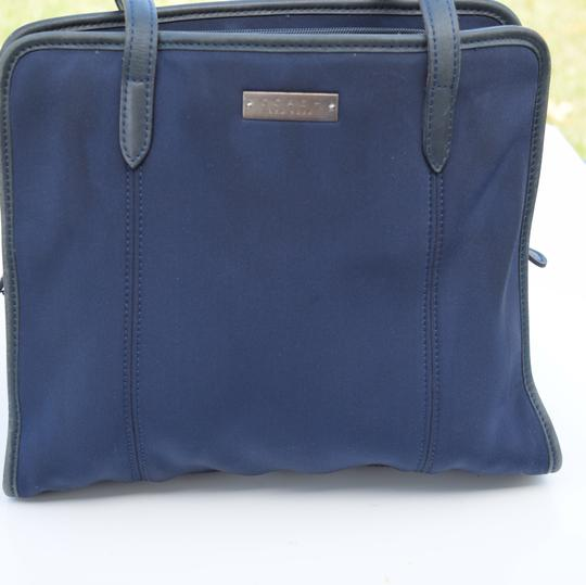 Coach Tote in navy blue Image 9