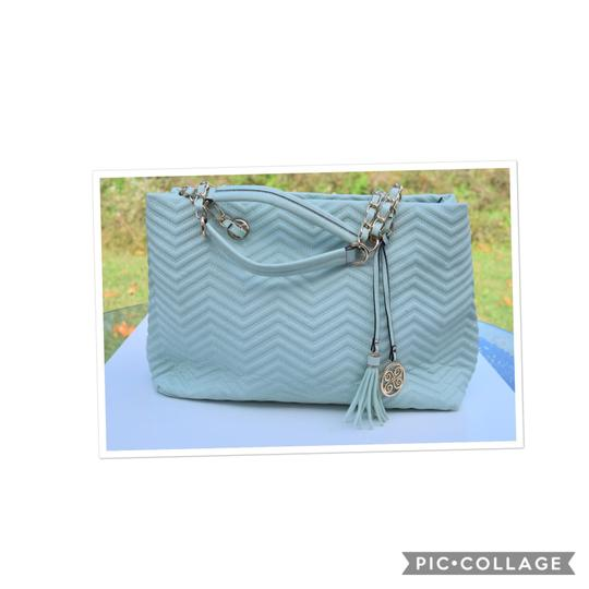 Preload https://img-static.tradesy.com/item/24198911/perlina-quilted-mint-green-faux-leather-tote-0-0-540-540.jpg