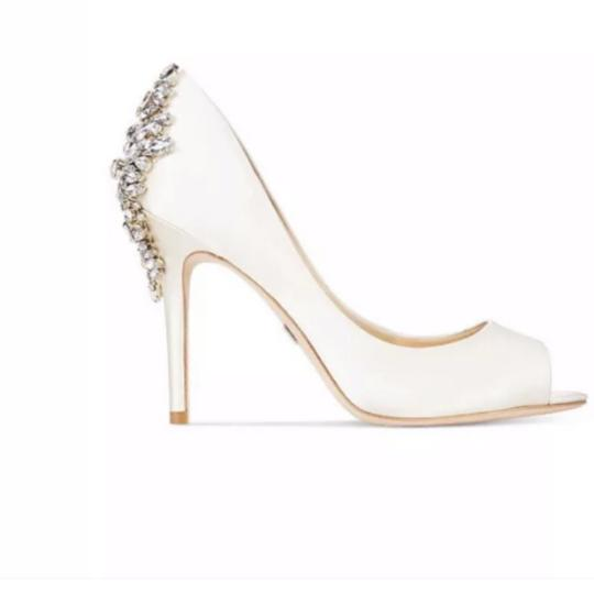 Badgley Mischka ivory satin Pumps Image 1