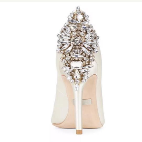 Badgley Mischka ivory satin Pumps Image 2