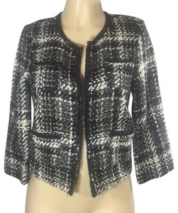 R D ntyle black and white Blazer