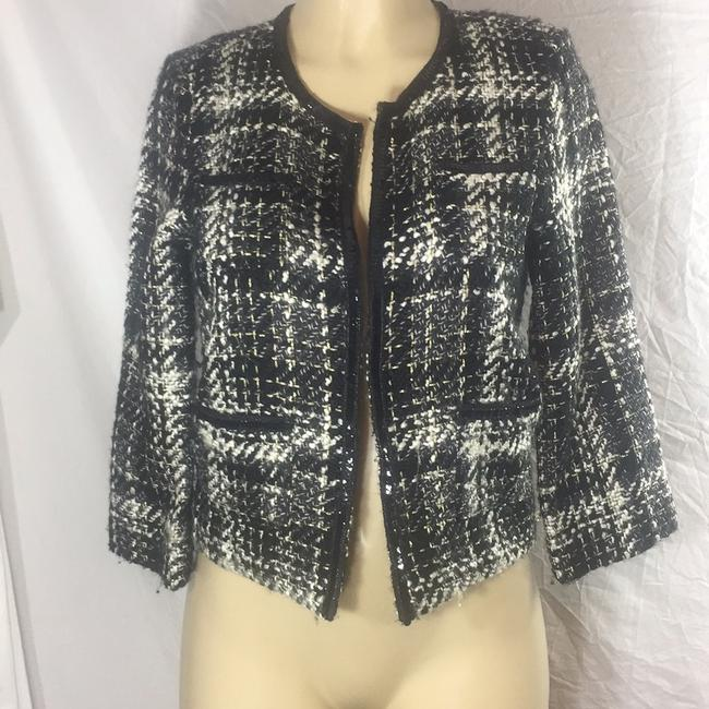 R D ntyle black and white Blazer Image 1