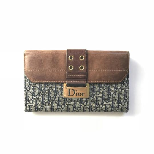 Preload https://img-static.tradesy.com/item/24199555/dior-grey-blue-brown-greyblue-logo-leather-wallet-0-1-540-540.jpg