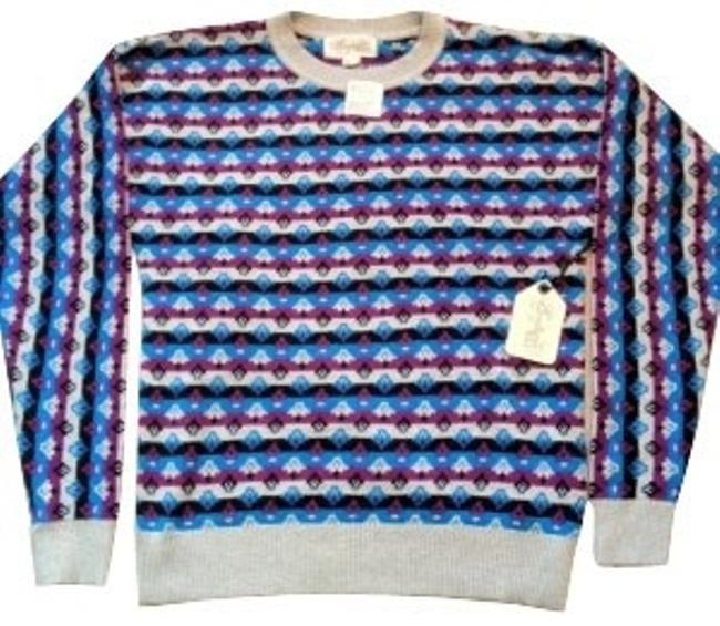 Preload https://item3.tradesy.com/images/forever-21-blue-printed-sweaterpullover-size-8-m-242-0-0.jpg?width=400&height=650