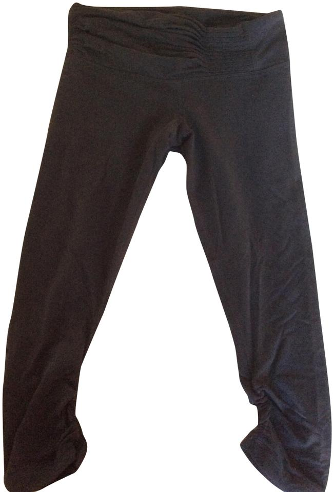 38768a10a7 Lululemon Charcoal Gray Shirred Waisted Cropped Activewear Bottoms ...