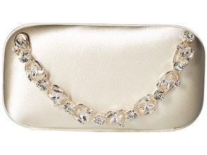 Badgley Mischka ivory Clutch
