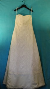 White Crepe Lace Traditional Wedding Dress Size 8 (M)