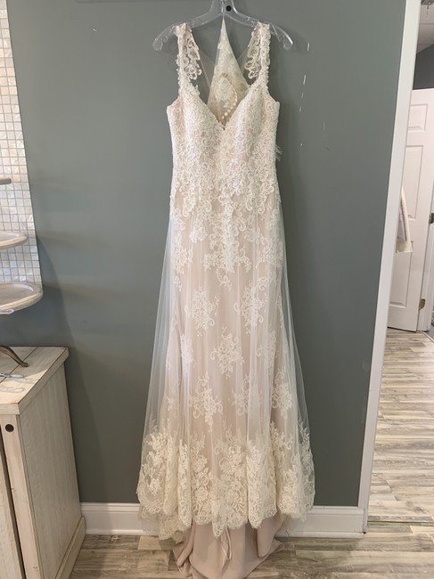 Item - Ivory Lace and Tulle Over Sable Lustre Satin - Porcelain Tulle Ml745 Formal Wedding Dress Size 8 (M)