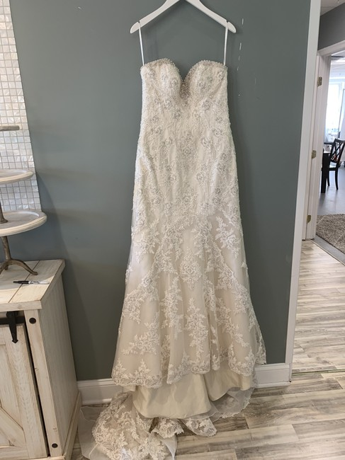 Item - (Issc-oy) Ivory Silver Lace with Stone Tulle and Champagne Royal Organza Over Oyster Dolce Satin (Color) / (Dn) Diamante Beaded Ml787 Formal Wedding Dress Size 8 (M)