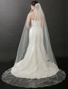 Bel Aire Bridal Ivory Long V7264c Beaded Scalloped Cathedral Bridal Veil