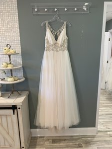 Maggie Sottero Ivory/Blush Accent Tulle/Beading Phyllis Formal Wedding Dress Size 6 (S)