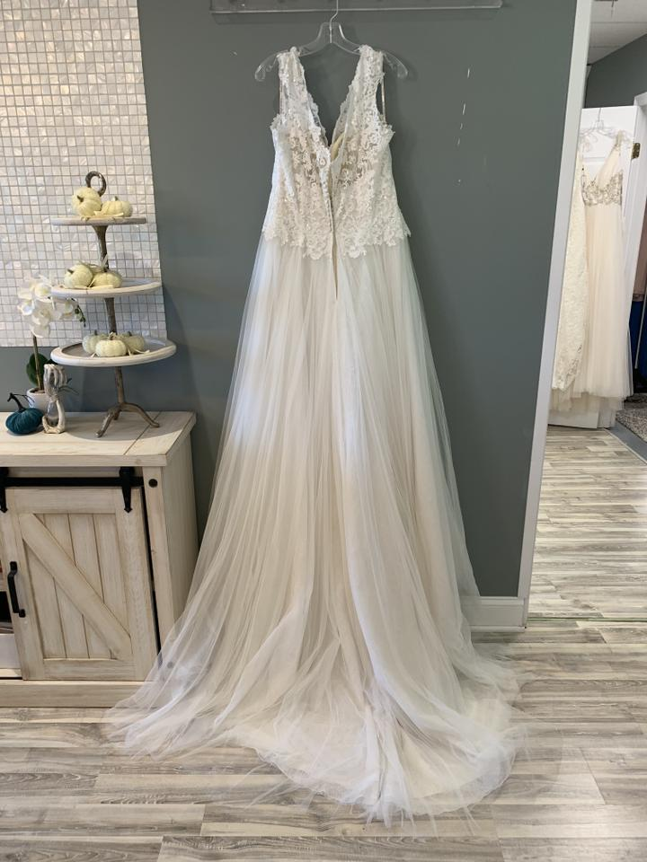 f8719715d5d8 Maggie Sottero Ivory Over Light Gold Lace/Tulle Hensley Formal Wedding Dress  Size 14 ...
