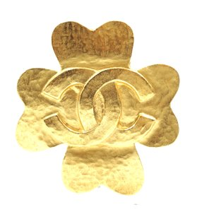 Chanel CC Clover Matte gold hardware brooch pin charm