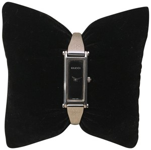 Gucci GUCCI BANGLE WATCH WITH BLACK DIAL