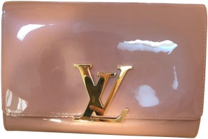 Louis Vuitton nude Clutch