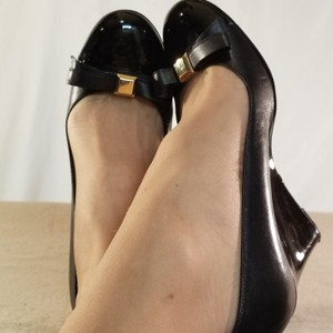 Naturalizer Navy Blue/Silver Accented Wedges