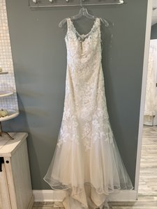 4857b9f02cf Stella York Cafe Gown with Ivory Sash Lace 5932 Formal Wedding Dress Size 8  (M