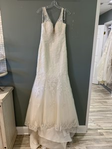 Stella York Ivory Lace Over Champagne Royal Organza Lace/Beading 6217 Formal Wedding Dress Size 6 (S)