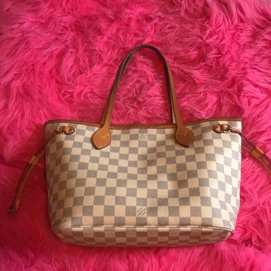 Louis Vuitton Tote in White Image 8