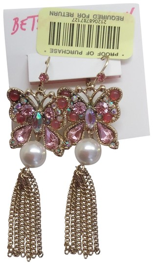 Preload https://img-static.tradesy.com/item/24211510/betsey-johnson-pink-new-butterfly-and-pearl-earrings-0-1-540-540.jpg
