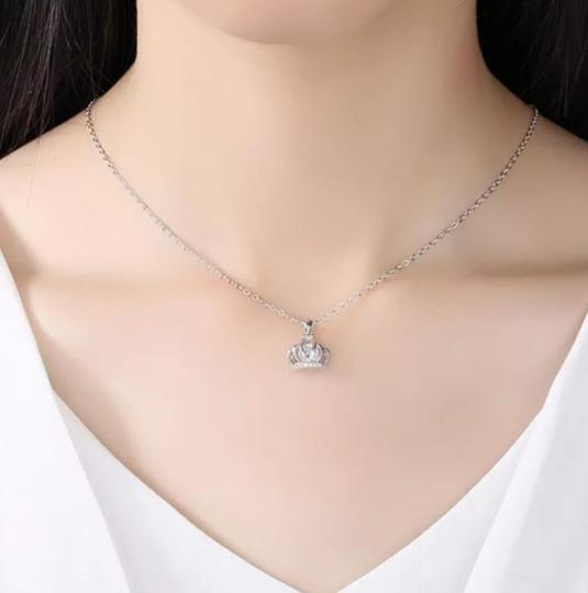 Xquisite by Desygn Women's CROWN PENDENT WITHOUT NECKLACE Image 2
