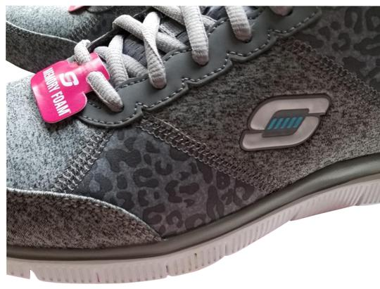 Sketchers Size 9.5 Women's New In Box Sneakers Gray Athletic Image 1