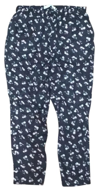 Preload https://img-static.tradesy.com/item/24212945/-and-other-stories-black-floral-pants-size-8-m-29-30-0-1-650-650.jpg