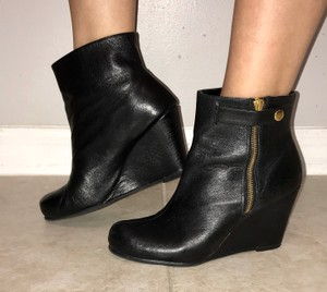 CL by Chinese Laundry Ankle Wedges black Boots
