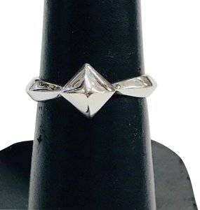 Stephen Webster NEVER WORN!! Stephen Webster Superstud Silver Ring Sterling Silver 3.9 grams Size 6.25 Easily sized!!! 100% Authentic Guaranteed!!! Comes with Original Stephen Webster Pouch!!!