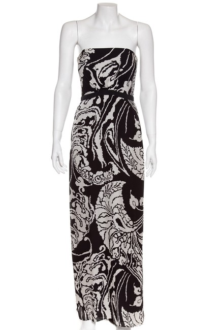 Preload https://img-static.tradesy.com/item/24215026/gucci-black-and-white-print-strapless-40-long-cocktail-dress-size-6-s-0-0-650-650.jpg