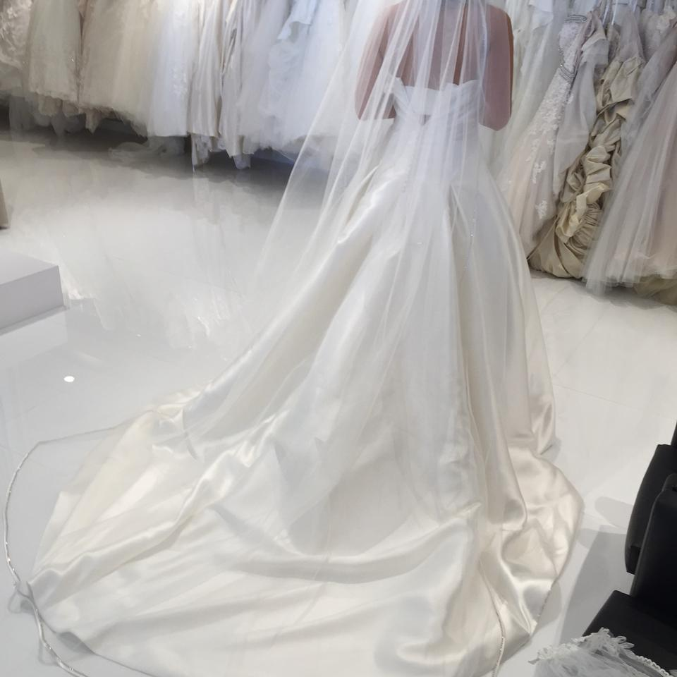 Pronovias Maeve Gown With French Bustle Formal Wedding Dress Size 6