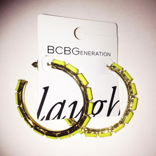 BCBGeneration HOOP LOOP NEON YELLOW GOLD FAUX STONE Image 4